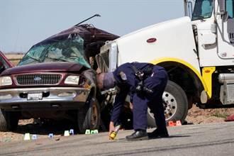 超載19人!美加州休旅車及貨車碰撞 至少15死