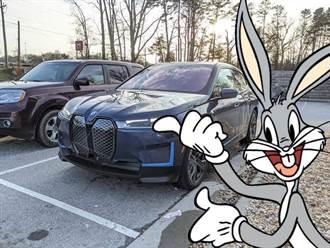 BMW 揭露 iX 二大功能特色:電控玻璃車頂可一鍵遮陽,也具備 OTA 軟體更新機能