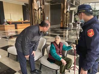 8旬老婦累倒土地公廟 警發現即刻救援