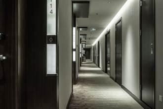 外送指定102房 飯店櫃台回「沒這號」 真相令人白眼