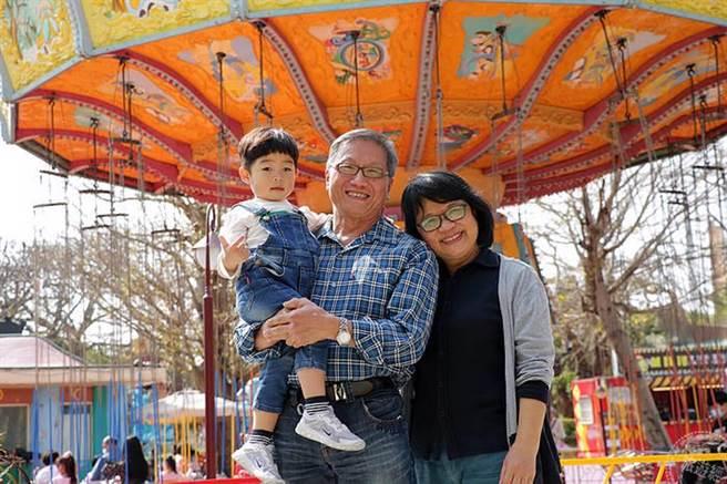 麗寶樂園即日起至3月31日推出博幼票買一送一,樂齡族也能開心賞國際級表演。(旅遊經提供)