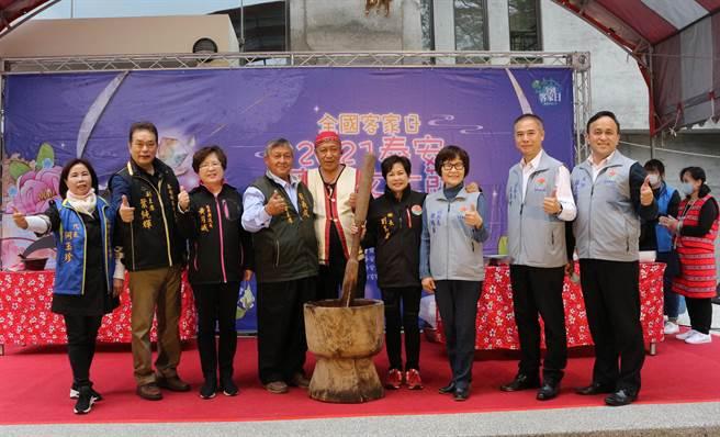 苗栗县泰安乡公所响应全国客家日,3日举办泰安客家文化节。(巫静婷摄)