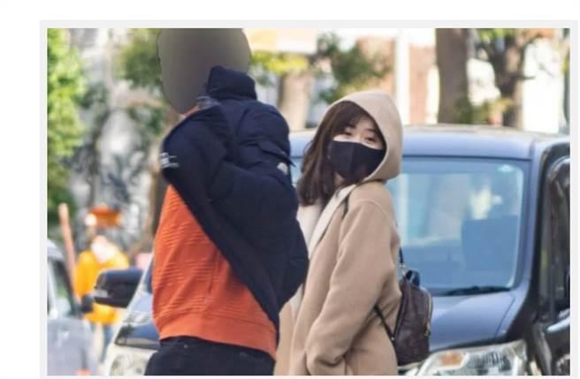 福原爱被直击与「横滨大谷翔平」在横滨中华街约会。(翻摄日媒)