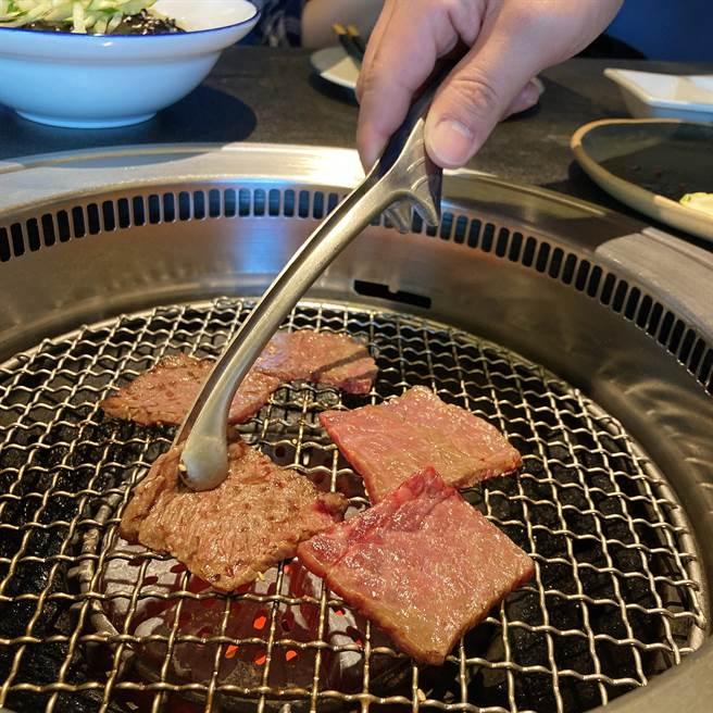 「虎三同」注重食材、专注服务,主攻顶级韩食烧肉市场。(邱映慈摄)