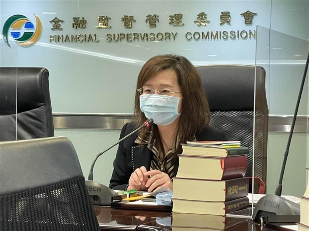 (證期局副局長郭佳君公布強化KY財報監理的措施。圖/魏喬怡)