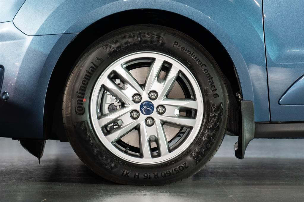 全車系搭配16吋鋁圈,提供均衡視覺比例。