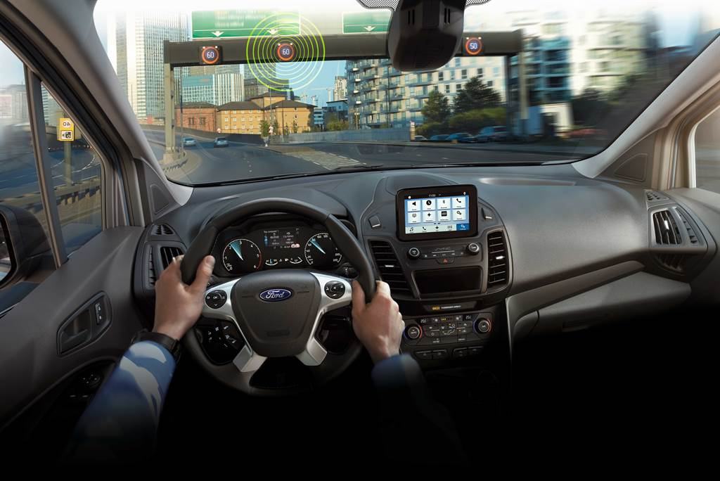 Ford Tourneo Connect旅玩家標配Ford Co-Pilot360 Technology全方位智駕領航科技。