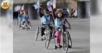 【身障風火輪】活到55歲第一次靠自己跑 身障女邊騎邊掉淚