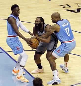 NBA》哈登重回休士頓獻大三元 籃網送火箭13連敗
