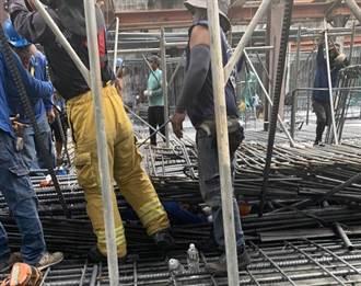 高雄工地10吨钢筋如鸟笼交缠 救援难度高 22岁工人惨死