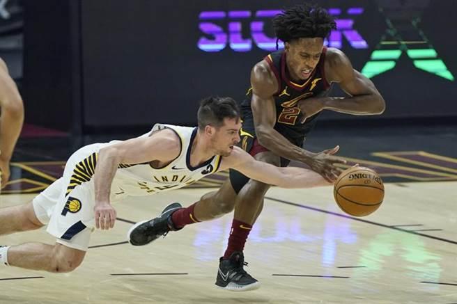 溜馬麥康奈爾創下NBA兩項紀錄,分別是半場9次抄截以及以替補身分完成抄截大三元。(美聯社)