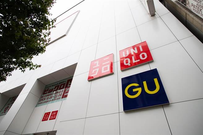 日本UNIQLO與GU改標含稅價。(示意圖/shutterstock)