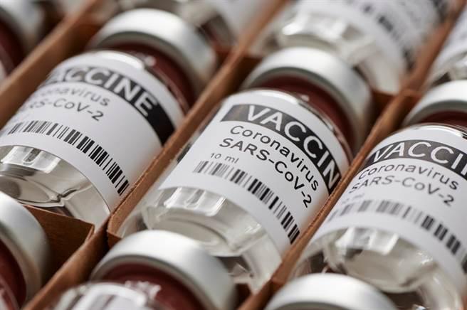 三大疫苗施打風險監測。(圖/Shutterstock)