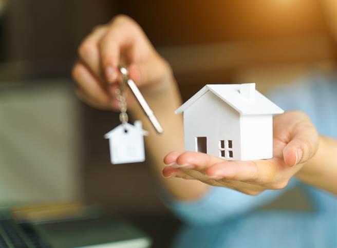 內政部揭預售屋契約5大陷阱。(示意圖/達志影像shutterstock提供)