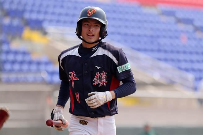 平鎮外野手張宥鈞今年畢業後將參加中職選秀。(學生棒聯提供)