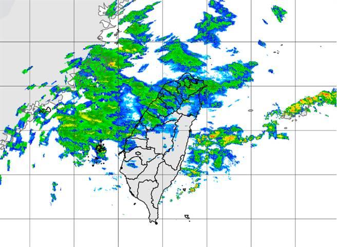 華南雲雨區東移,5日水氣偏多。(中央氣象局提供)