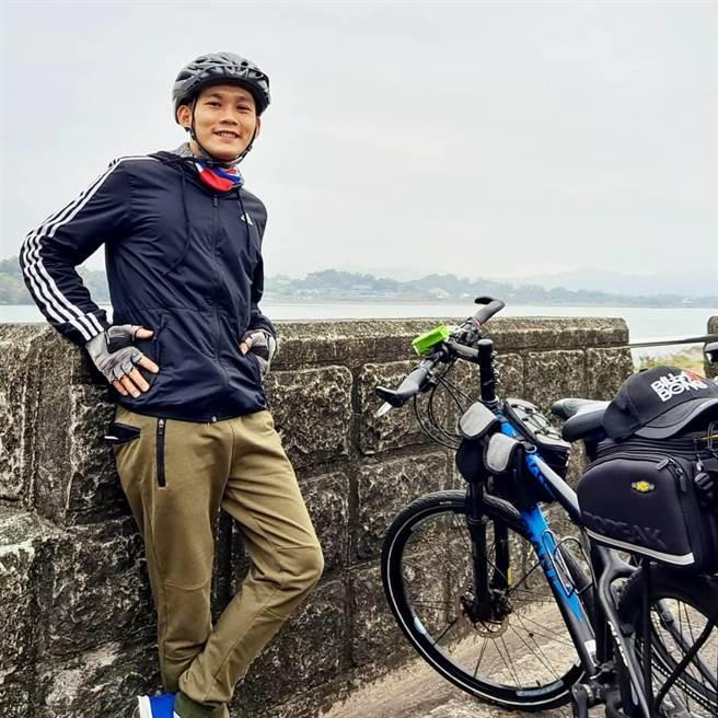 平時熱愛運動的鄧建緯,將創業過程比喻作為一場馬拉松。(讀者提供)