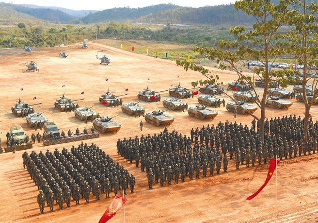 中共立下2027年解放軍建軍百年目標,希望軍隊先達成硬體等裝備現代化。(中新社)