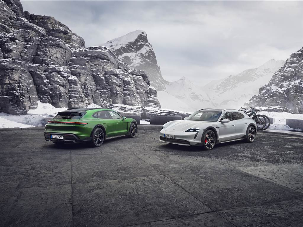 Porsche於德國慕尼黑國際會議中心的Hyperbowl Studio舉行Taycan Cross Turismo線上發表會。經由40公尺長、5.5公尺高、270度曲面LED牆,加上478平方公尺的7,000萬像素的LED天花板,完美結合了虛擬與現實世界。