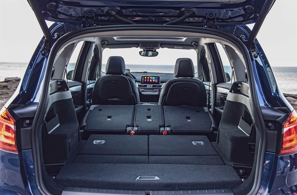 全數椅背傾倒後,全新BMW 2系列Gran Tourer可擁有1,905公升的行李箱容積。
