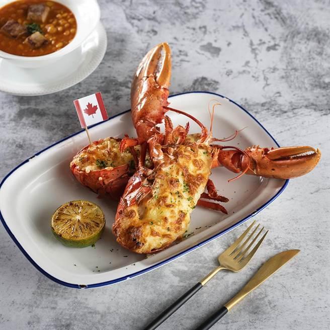台北遠東國際大飯店「遠東Cafe」自助餐廳 加拿大美食節,加價558元即可享用整隻現撈活加拿大龍蝦 。(圖/香格里拉台北遠東國際大飯店)