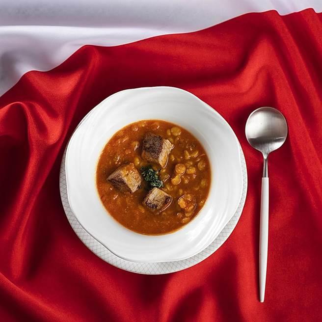 「遠東Cafe」自助餐廳加拿大美食節推出「 加拿大牛肉扁豆湯」。(圖/香格里拉台北遠東國際大飯店)