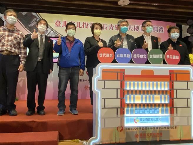 台北市首長是否也會帶頭施打,黃珊珊說,「都是依中央規定。」(游念育攝)