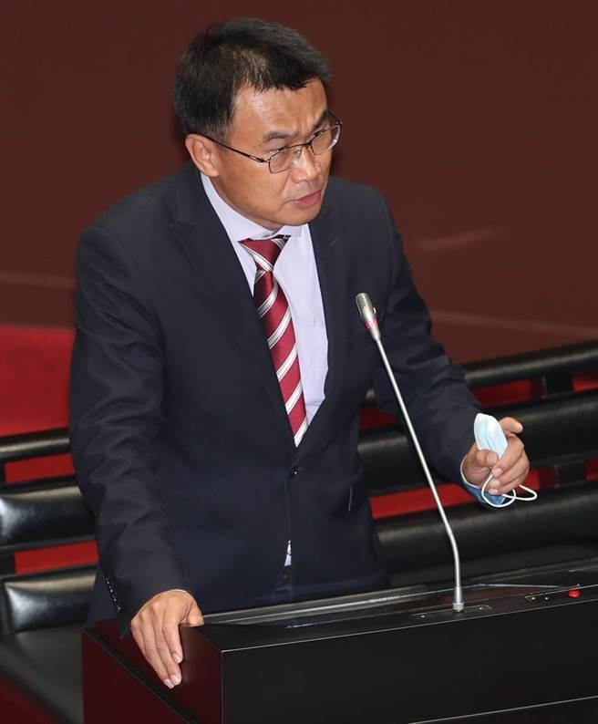 農委會主委陳吉仲5日赴立法接受質詢。(鄭任南攝)