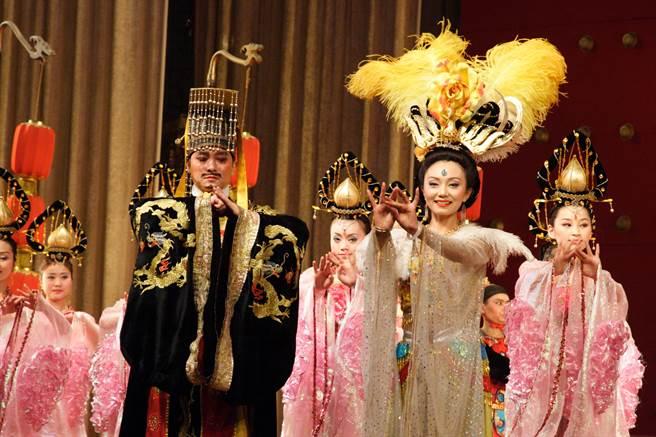 在野史中記載,楊貴妃與安祿山有一腿,但清華大學教授張國剛則推測,兩人只是舞蹈同好,經常在一起學習胡旋舞。(示意圖/達志影像)
