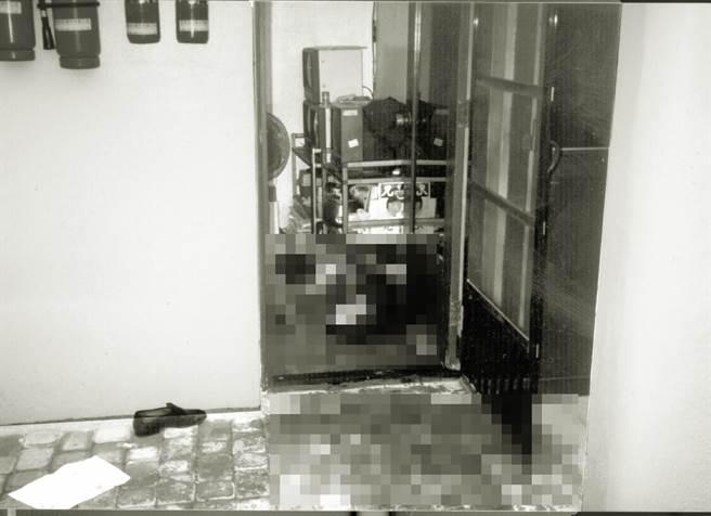 1996年11月21日,時任桃園縣長劉邦友與其餘8名親友,被兇嫌拖往僅3坪大的警衛室一一槍殺,僅1人倖存。(圖/中時資料照)