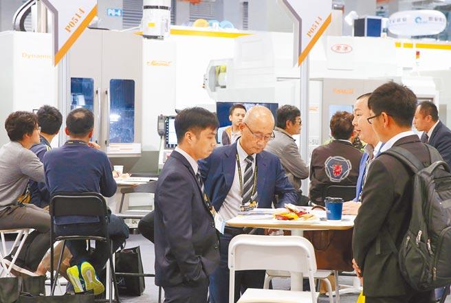 原訂今年3月的台北國際工具機展(TIMTOS)延後舉行,先以線上展覽登場;圖為2019年展出。圖/本報資料照片