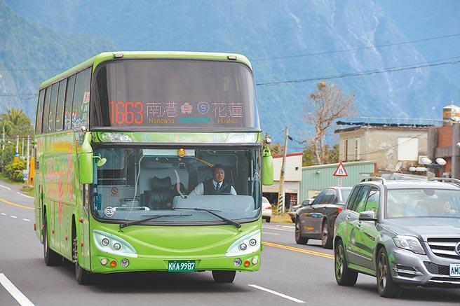 清明連假,花蓮縣府將繼續推出鐵路返鄉專車,今年客運也加入疏運服務。(本報資料照片)