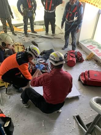 台南拆除工人遭墜落鐵塊砸破頭 當場斷手意識模糊