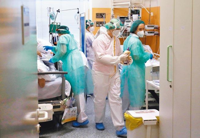 捷克新冠疫苗供應吃緊,已請求中國協助提供疫苗。(路透)