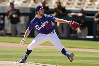MLB》賽揚獎強投鮑爾出怪招 投球時閉一眼