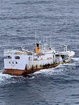 永裕興18號10船員失聯 千浬拖回船體明抵蘇澳