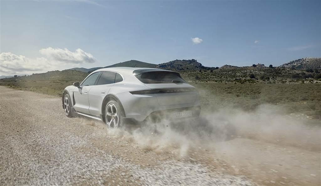 保時捷正規劃更多 Taycan 衍生車型:敞篷版沒問題!