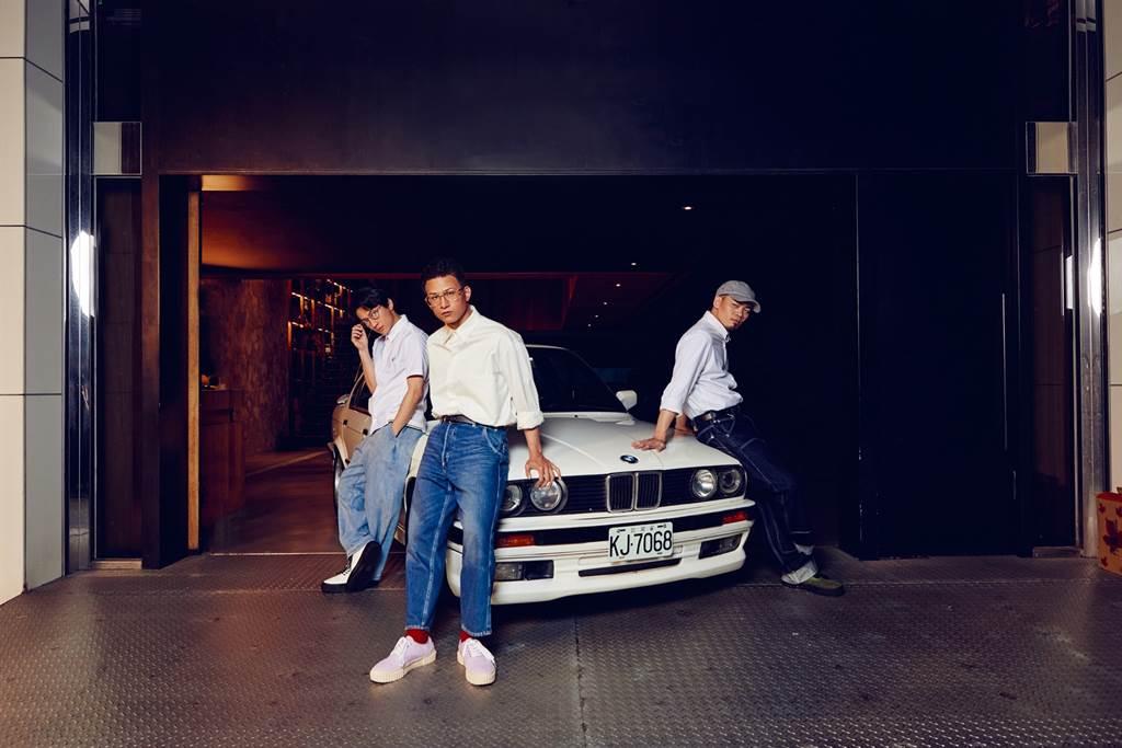 第二代3系列E30不僅是3系列首次推出Sedan及Touring車型,經典的雙頭燈設定及初代M3均在此時誕生,擁有極高的人氣與討論度,這次與G20 3系列跨世代同台慶賀BMW生日,更激盪出BMW的耀眼迷人丰采。