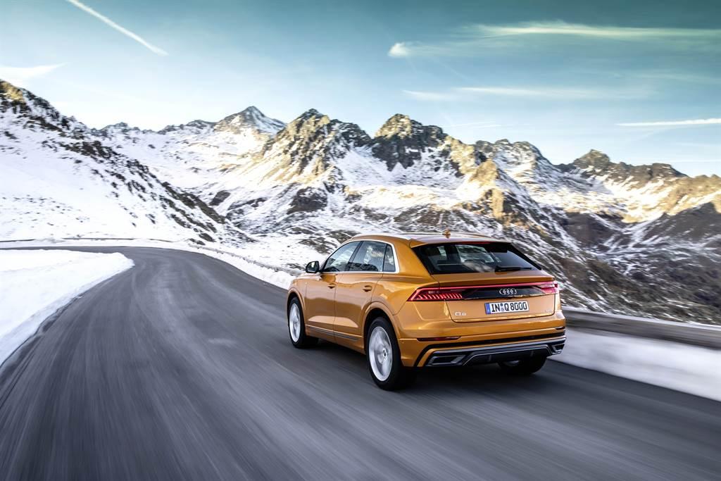 搭載3.0升V6汽油渦輪增壓引擎,在48V輕型複合動力系統加持下,可輸出340hp最大馬力和500Nm最大扭力。