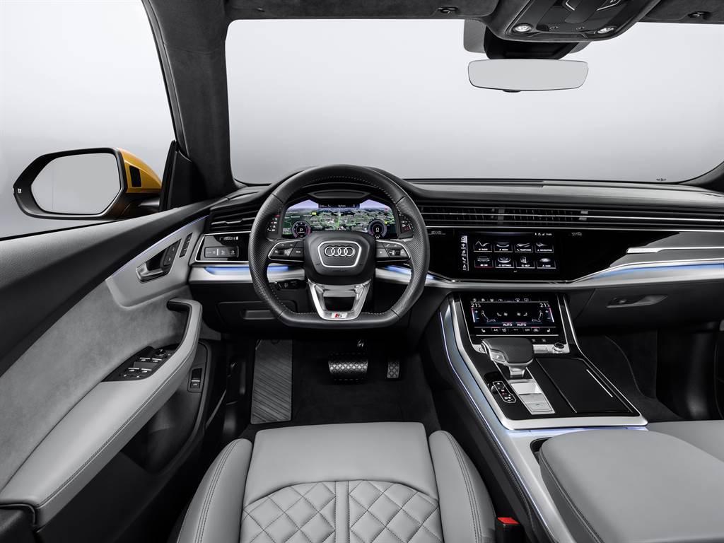 內裝設計以直覺化操作介面和觸控屏幕為主的設計架構之外,也將多項高科技與豪華配備納入標配清單。