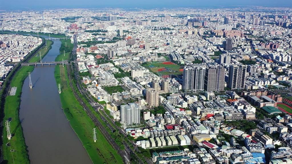 台南市中心、蛋白新案價差縮小,吸引不少消費者回頭選擇市區建案。(業者提供)