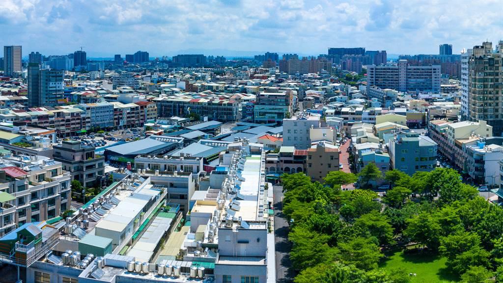 北區位於台南市核心區位,區內的鄭子寮重劃區為市區少見高綠覆率、低密度住宅,街道整齊劃一。(業者提供)
