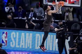 NBA》好冷!西蒙斯親籃框失敗仍拿灌籃大賽冠軍