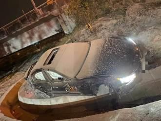 瑪莎拉蒂「海神」國道1擦撞賓士噴飛 翻落邊坡駕駛命危