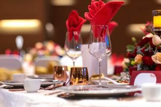 根本不熟!賓客赴婚宴2人僅包600元 臨走改稱女方親友A走喜餅