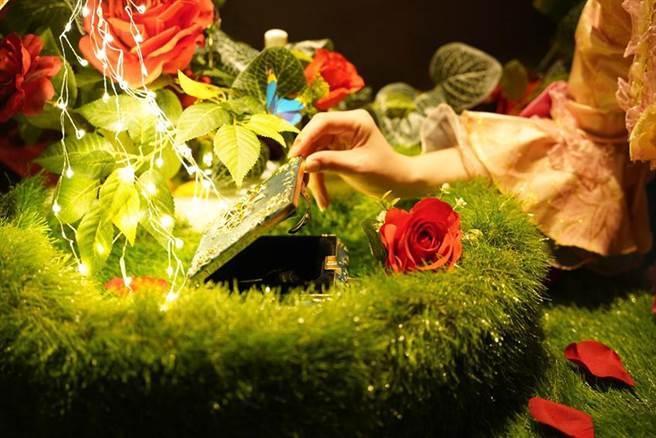 (君品酒店利用酒店客房打造密室實境遊戲「美女與野獸-禁錮玫瑰」。圖/台北君品酒店)