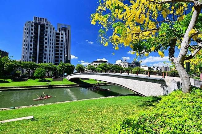 康橋河岸公園。(台中市政府觀旅局提供)