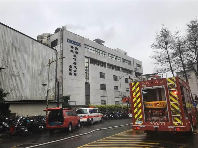敦南科技基隆廠8日中午發生火警。(陳彩玲攝)