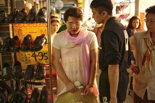 郑丰毅(左)饰演小八,初孟轩饰演Nori。(公视、myVideo提供)