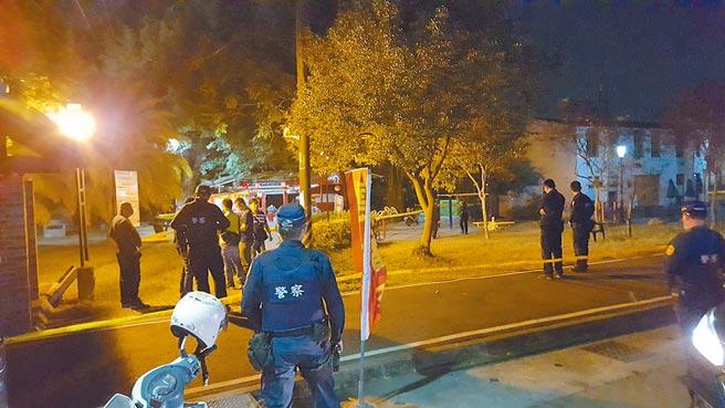 高雄大樹區九曲堂火車站旁的醮伯公祠,7日傍晚驚傳槍擊案,警方獲報到場處理。(翻攝照片/林瑞益高雄傳真)